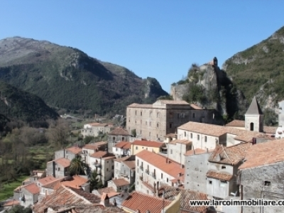 Two-bedroom second floor apartment in the old town of Orsomarso