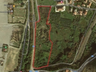 Plot of building land t 100 meters to the beach