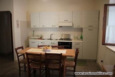 Appartamento ristrutturato al piano terra con garage