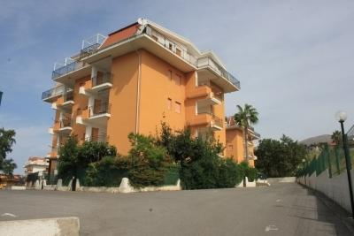 Appartamento al primo piano con terrazzo vista mare di 8 mq