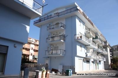 Due appartamenti adiacenti in zona centralissima