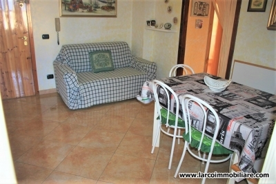 Renovated two-bedroom apartment with garage at just 100 meters from the beach