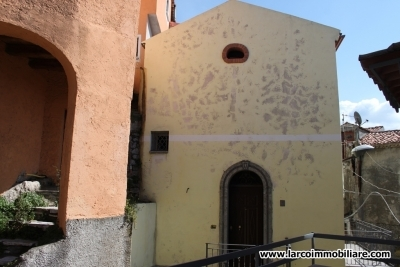 Independent house on 2 levels in the old town of S.Domenica Talao
