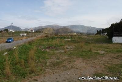 Building land in Petrosa