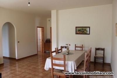 Large apartment in Località Pastina