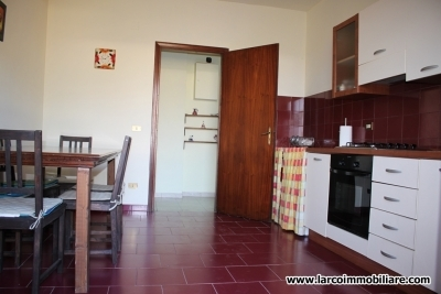Large apartment completely renovated at 1 km from the sea