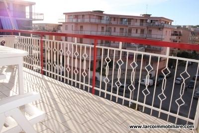 Appartamento residenziale con ascensore in zona centrale
