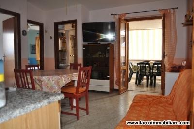 Appartamento arredato in complesso turistico e con vista mare panoramica
